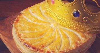 Recette galette des rois amande pommes et speculoos - Galette des rois herve cuisine ...
