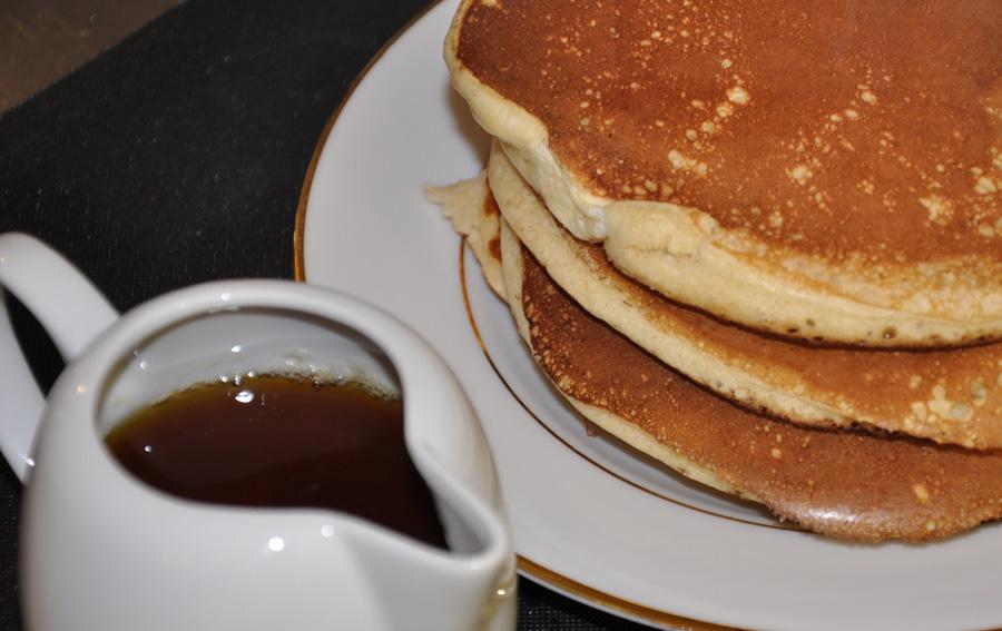 pancakes authentiques au sirop d'érable: ma meilleure recette