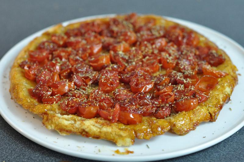 Tarte tatin aux tomates cerises et herbes de provence - Cuisiner des tomates vertes ...